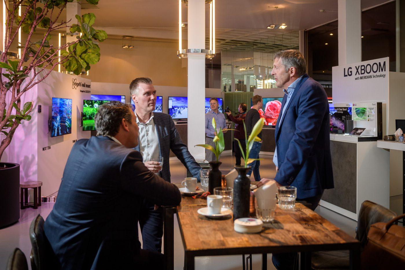 Netwerken tijdens beurs LG in Gooiland Green Center