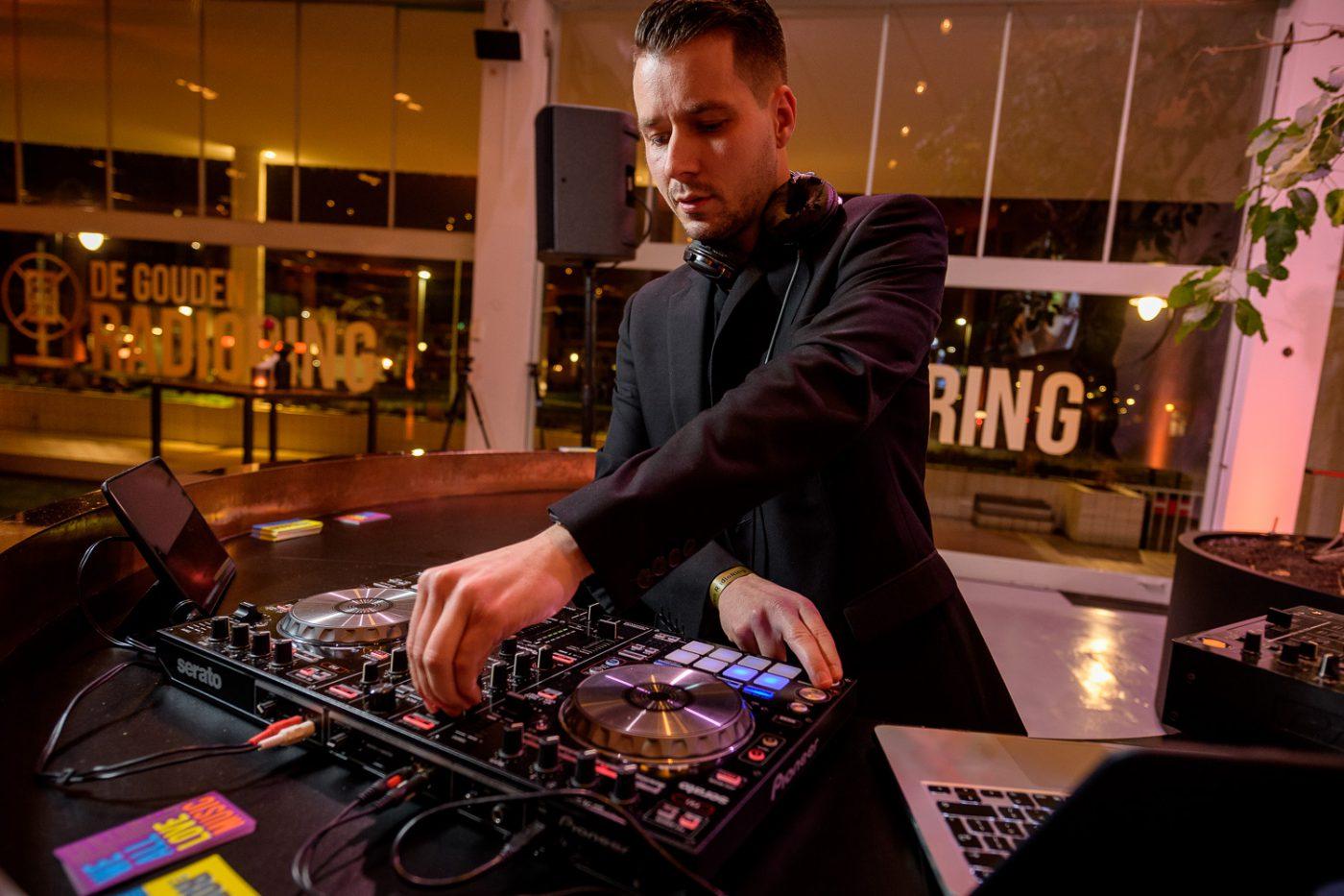 DJ bij RadioRing in Gooiland