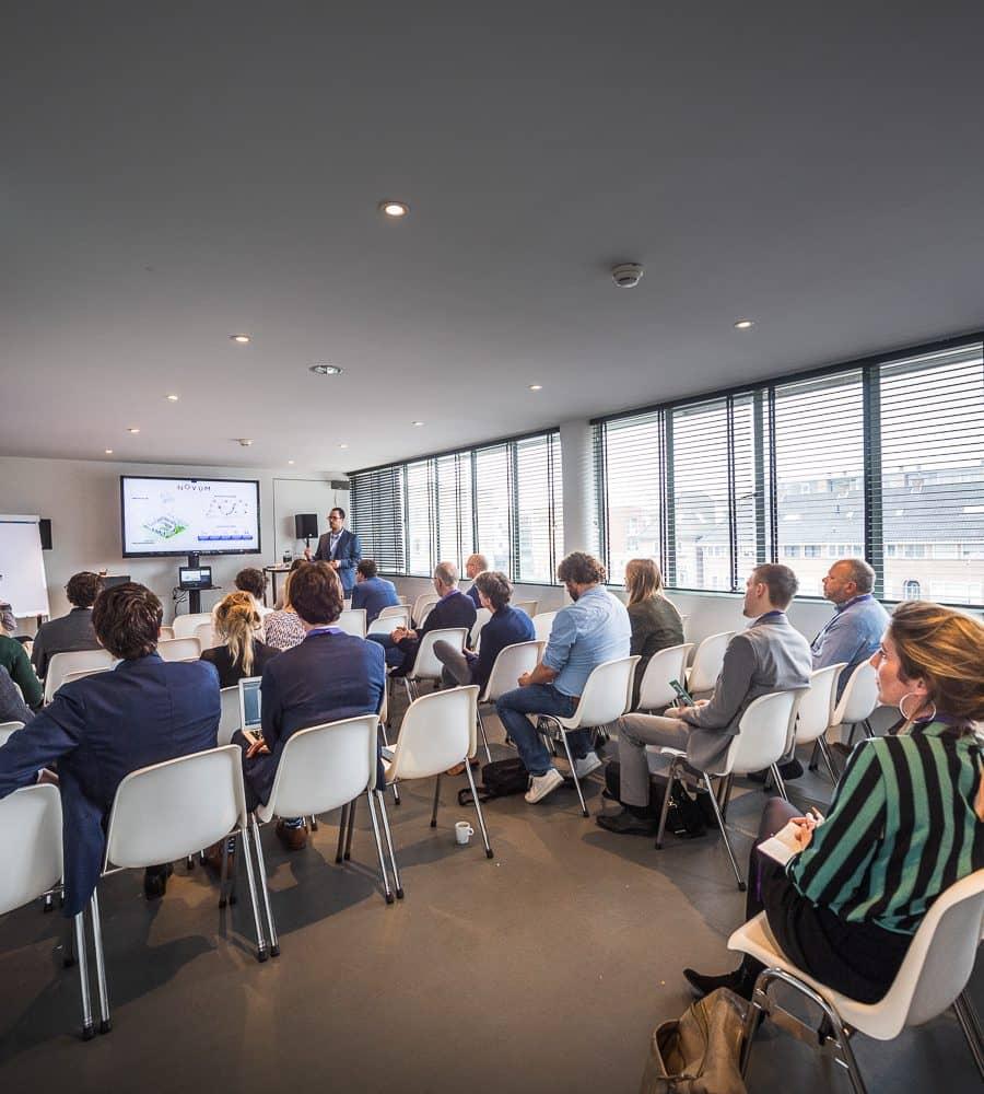 Piet Mondriaan zaal in gebruik tijdens congres in Gooiland