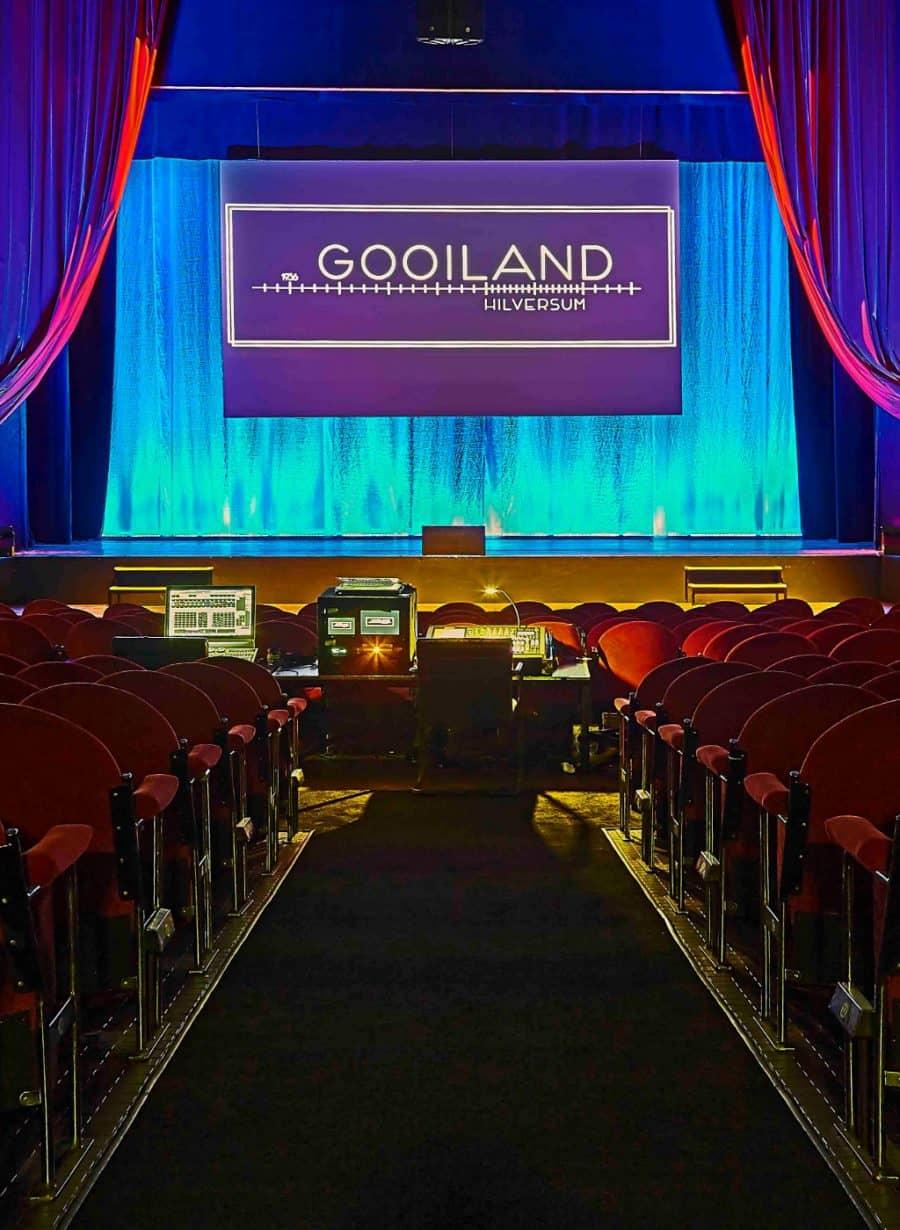 Theater Gooiland gangpad naar podium