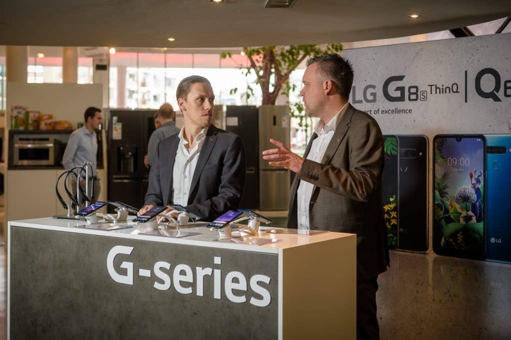 Beursstand beurs van LG bij Gooiland Evenementenlocatie